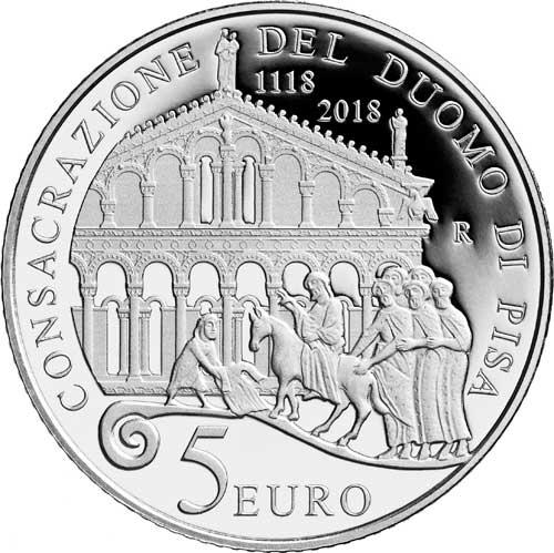 Un elegante richiamo alle origini medievali del Duomo di Pisa sul rovescio della moneta da 5 euro (argento 925; mm 32; g 18)