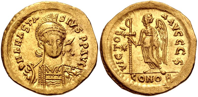 Solido di Anastasio I (491-518) con la rappresentazione della Vittoria che regge la croce (oro, g 4,41; mm 20; h 6)