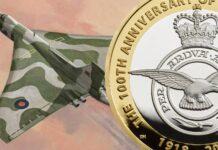 Acrobazie tra tondelli e dentelli per il secolo della Royal Air Force