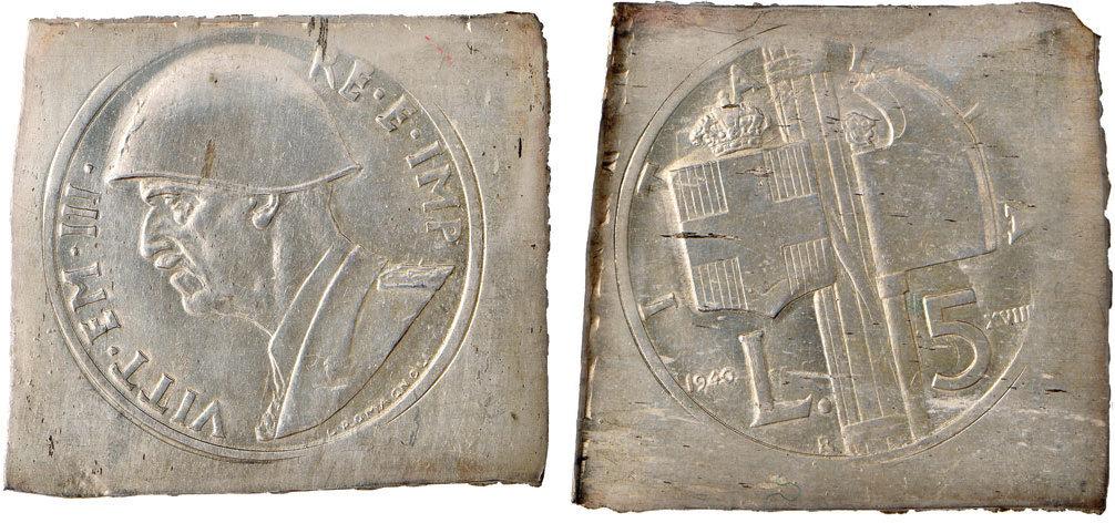 Coppia di lamine in argento con le impronte del 5 lire Fascio 1940-XVIII