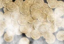 Trecento monete d'oro rinvenute a Como