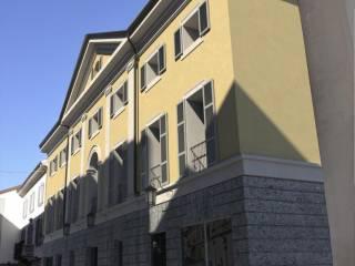 L'edificio di Via Diaz a Como, già sede del Teatro Cressoni e poi del noto Cinema Centrale