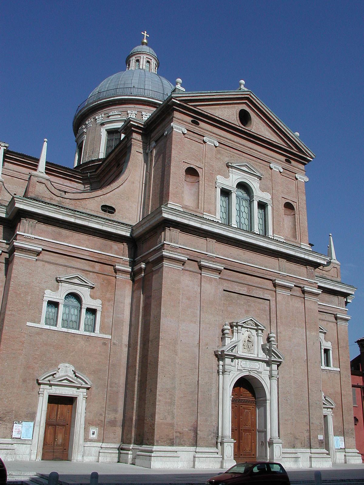 """La facciata della basilica modenese che ospita l'immagine cinquecentesca della """"Ghiara"""""""