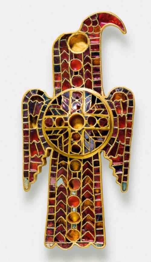 La fibula di Domagnano, uno degli oggetti simbolo dell'arte barbarica nella Penisola italiana