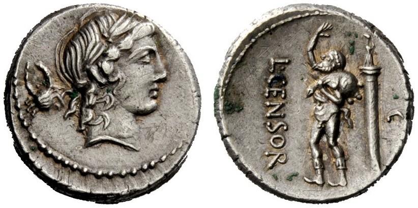 Un altro esemplare del denario coniato, probabilmente, alla fine delle Guerre Sociali. Questo è rarissimo per il granchio posto al dritto, dietro la nuca di Apollo