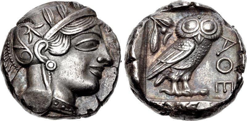 La tetradramma di Atene per antonomasia, col profilo della dea eponima e la civetta simbolo di saggezza (seconda metà del V secolo a.C.)