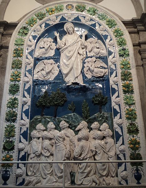 Scena dell'Ascensione in terracotta invetriata opera dei Della Robbia e realizzata verso il 1480 a La Verna (Ar)