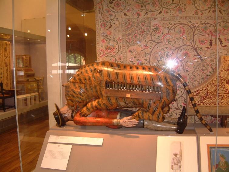 Fig. 6 - L' automa di Tipu al Victoria & Albert Museum a Londra