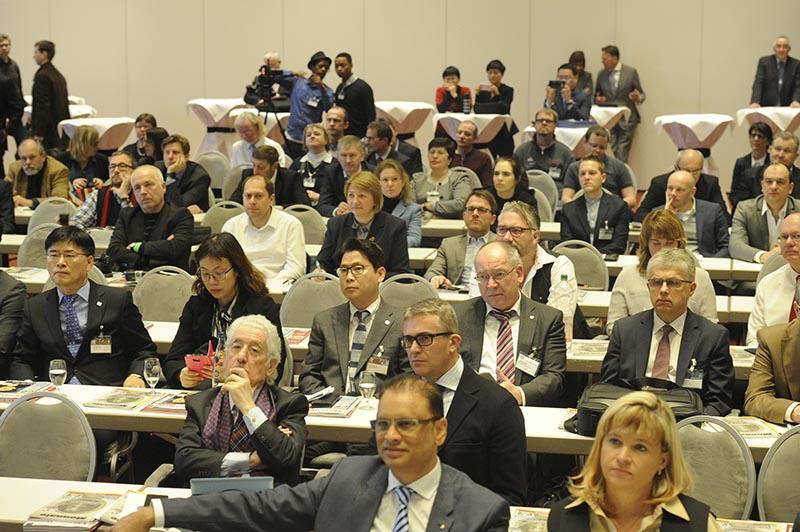 Sempre affollato il Media Forum nel corso del quale le zecche presentano le loro novità e i programmi a lungo termine