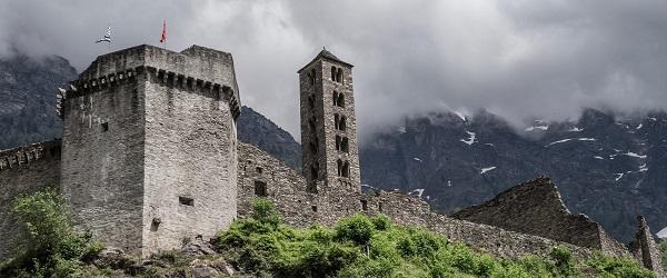 Il castello di Mesocco, nel Cantone dei Grigioni (CH), come si presenta oggi