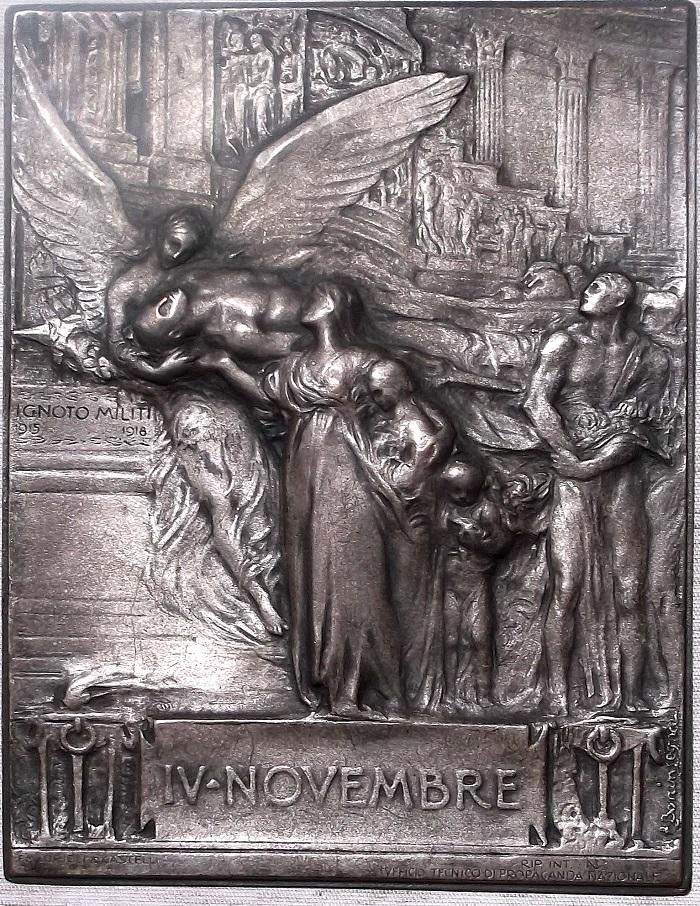 Fig. 8 | Prova in bronzo argentato della placca opus Egidio Boninsegna prodotta da Lorioli & Castelli (cm 15 x 20)