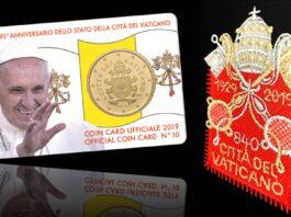Un sorridente papa Bergoglio sulla coincard per il 90° dello Stato