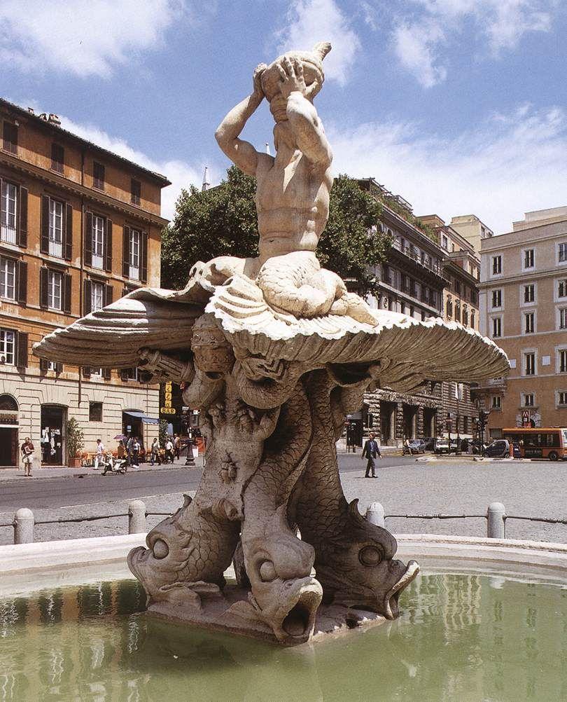 Il Tritone forse più celebre nella storia dell'arte: quello scolpito in Piazza Bartberini a Roma e che troneggia sulla sommità della magnifica fontana