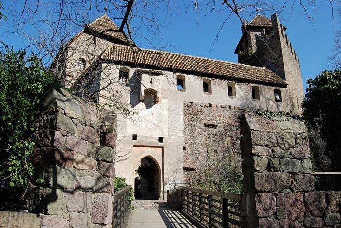 Castel Roncolo, a Bolzano: uno dei manieri più belli d'Europa