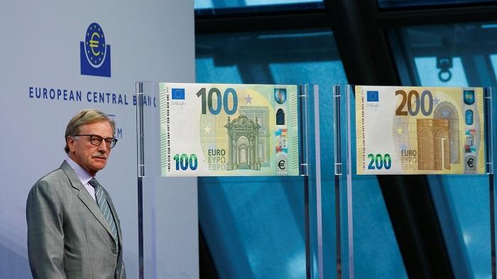 La presentazione, presso l'Eurotower, dei biglietti che completano la seconda serie euro