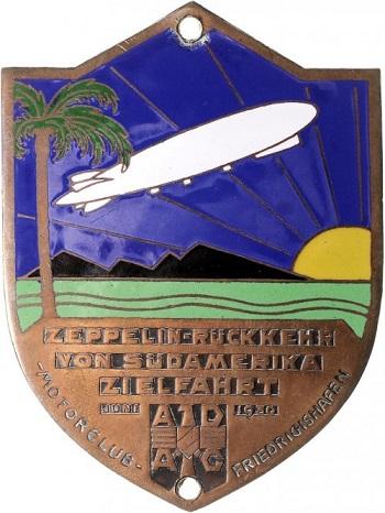 """Placchetta in metallo e smalti (mm 89x65) celebrativa della crociera sudamericana del """"Graf"""" compiuta nel 1930"""