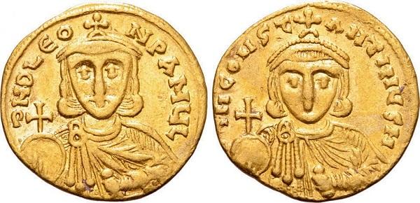Solido di Leone III (nel R/ il figlio Costantino V). Oro, gr 4,43; mm 20; h 6