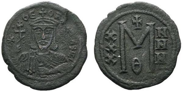Follis di Teofilo. Bronzo, gr 8,17; mm 33; h 6