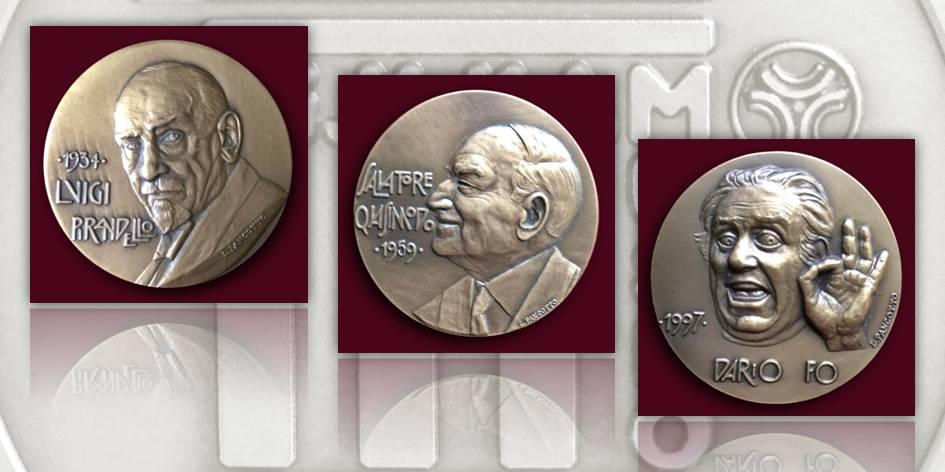 Loredana Pancotto, Salvatore Quasimodo, Luigi Pirandello e Dario Fo (dritti di tre medaglie dedicate ai Premii Nobel per la Letteratura), bronzo coniato, Ø 45 mm
