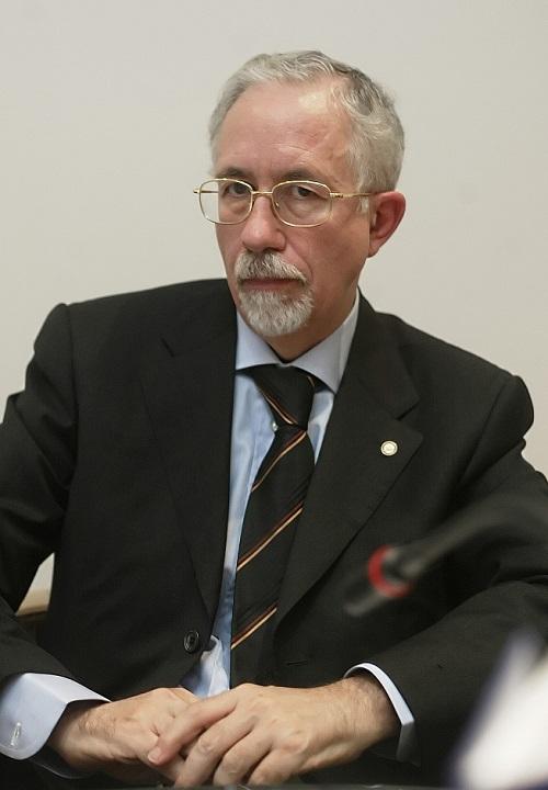 Il presidente dell'AISN Giuseppe Ruotolo