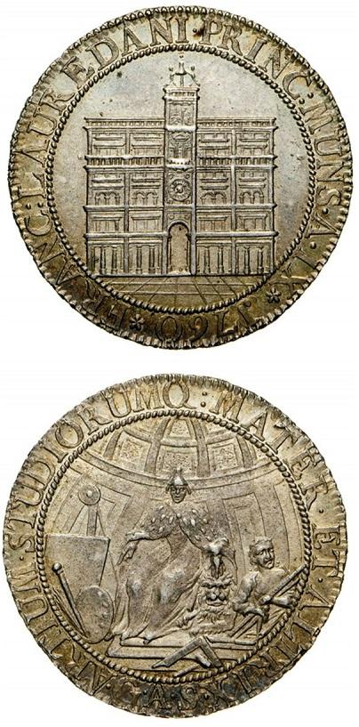 L'osella del 1760 dedicata al restauro dell'orologio, uno dei tanti monumenti simbolo della Serenissima