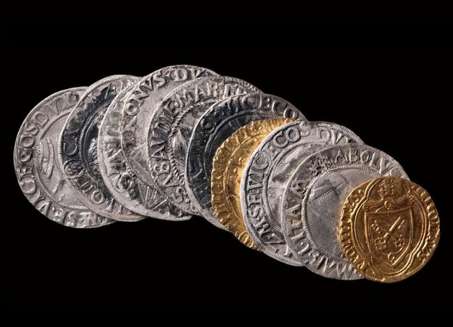 Alcune delle monete, soprattutto italiane, del tesoretto di Digione