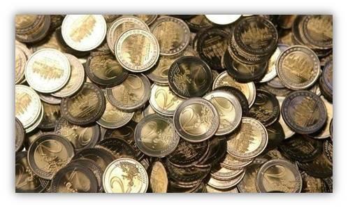 Va alla grande la produzione di monete da 1 e 2 euro, le bimetalliche di maggior valore utilizzate in una vastissima gamma di scenari, dai distributori automatici al noleggio di carrelli del supermercato