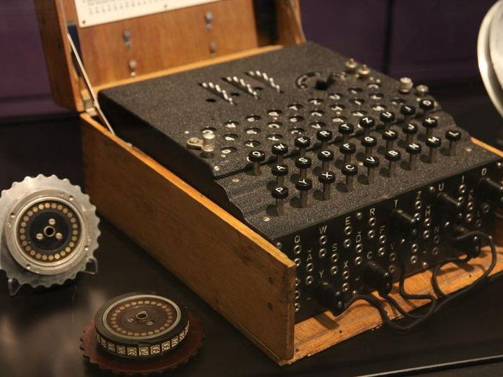 """""""Enigma"""", la formidabile macchina cifratrice usata dagli U-boot nazisti per comunicare con le loro basi"""