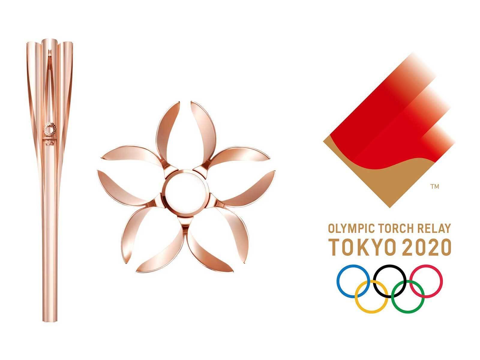 Per il 30%, il metallo della torcia olimpica (dall'alto simile a un fiore di loto) proviene dagli alloggi provvisori installati dopo lo tsunami del 2011