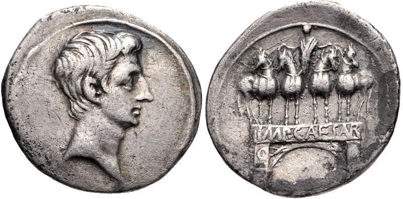 Ottaviano, denario in argento celebrante la vittoria di Azio (31 a.C.) e coniato probabilmente a Brundisium, prima della riapertura ufficiale della zecca di Roma (RIC 267)