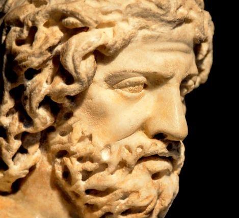 Una delle più famose sculture raffiguranti Plutarco