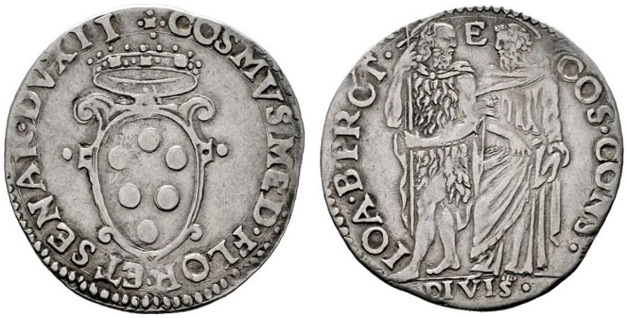 Giulio d'argento di Cosimo I de' Medici duca di Firenze e Siena, III periodo (1557-1569), D/ Stemma mediceo R/ I santi Giovanni Battista e Cosma in piedi