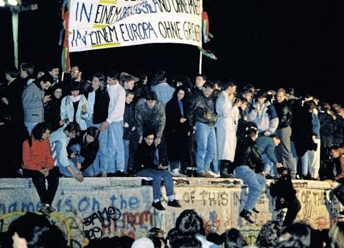 9 novembre 1989: finisce un'epoca con la caduta del Muro di Berlino