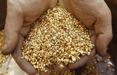 """L'oro riciclato, detto anche """"oro etico"""", proviene dalla rifusione di gioielli e dai dispositivi elettronici dismessi"""