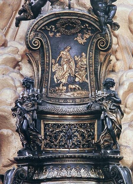 La Cattedra di san Pietro con la scena di Gesù che consegna le chiavi al principe degli Apostoli