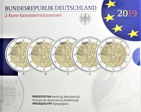 Il folder emesso in Germania con le cinque monete da 2 euro