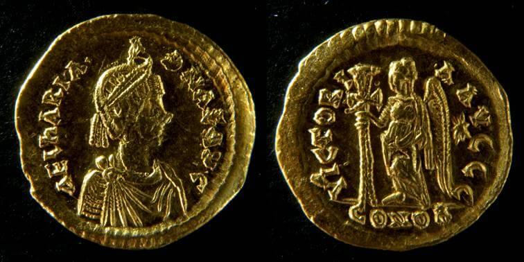 Solido di Ariadne (476-491) per Costantinopoli (Au, g 4,43, mm 19,5) dal tesoro di Sovana. © Soprintendenza per i Beni archeologici della Toscana