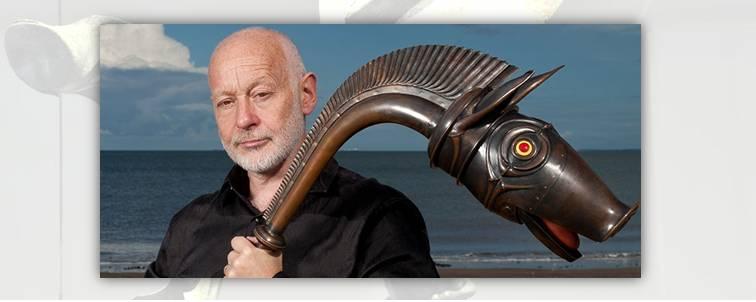 13. John Kenny, il trombonista britannico che ha ricostruito e suona in concerto la riproduzione dell'antico carnyx scozzese rinvenuto a Deskford