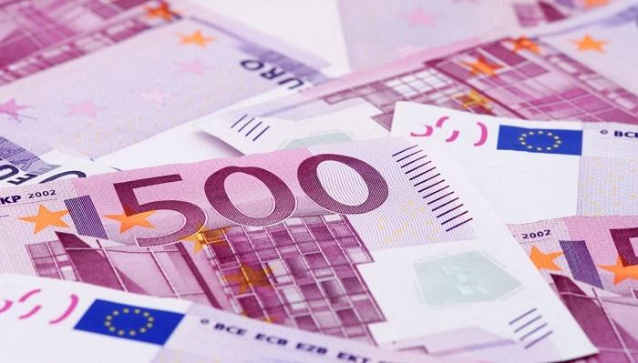 Non vengono più stampati, ma restano validi tutti i biglietti da 500 euro emessi dalla Banca centrale europea a partire dal 2001: sono a tutti gli effetti mezzo di pagamento e riserva di valore