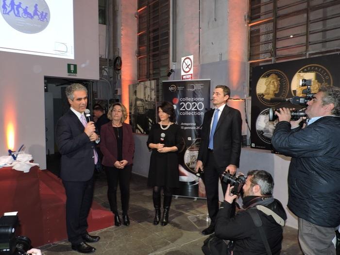 Il presidente della Rai Vittorio Foa è intervenuto, con l'artista di zecca Claudia Momoni e Francesca Pasinelli, per presentare la moneta a colori che festeggia la presenza di Telethon in Italia