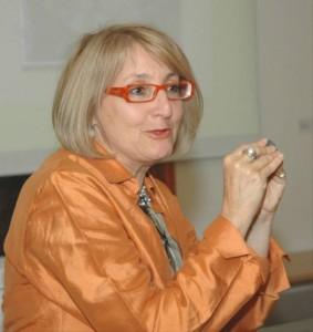 """La professoressa Lucia Travaini è la """"voce numismatica"""" di Radio3, il canale Rai dedicato alla cultura"""