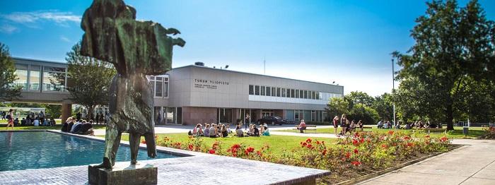 La modernissima sede dell'Università di Turku in Finalndia, frequentata da circa 25 mila studenti, con molti provenienti dal resto d'Europa e ospitati grazie al Progetto Erasmus
