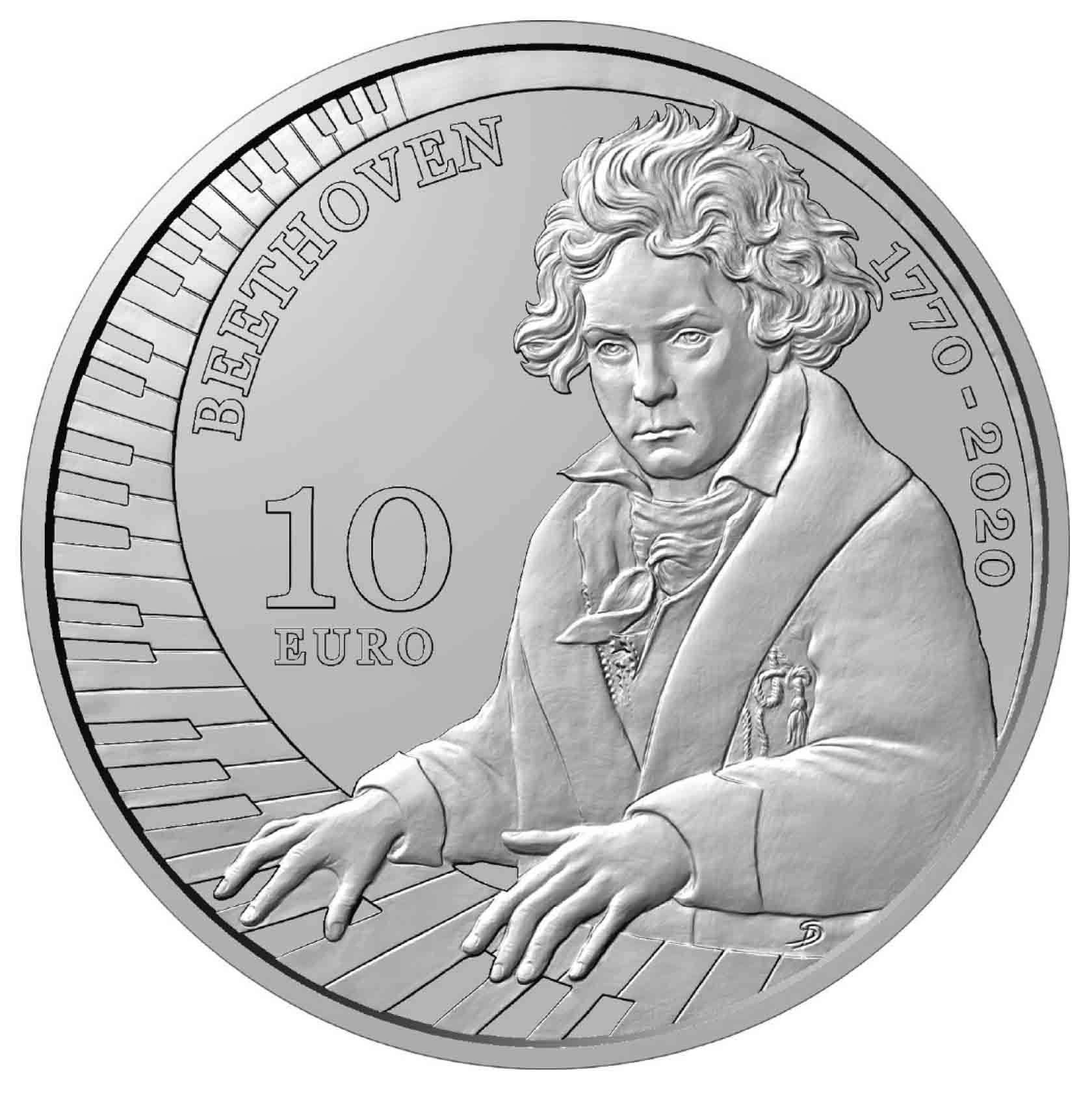 Spiccano le mani e lo sguardo in questo ritratto di Beethoven modellato da Sandra Deiana e scelto da San Marino per i 10 euro in argento proof del 2020, nel 250° anniversario della nascita del compositore