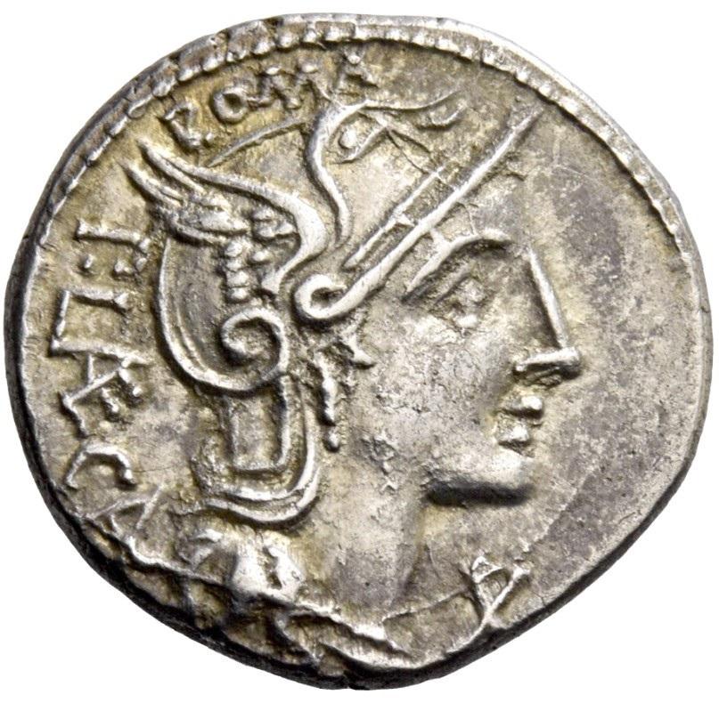 La testina con elmo alato di Roma sul dritto assieme all'indicazione del magistrato monetale e al valore X, dieci assi, sotto il mento della personificazione