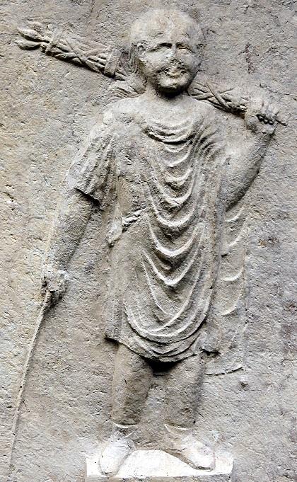 Littore con verghe in un bassorilievo dal Museo archeologico di Verona: appare anche sulk denaro PROVOCO assieme all'accusato e al magistrato