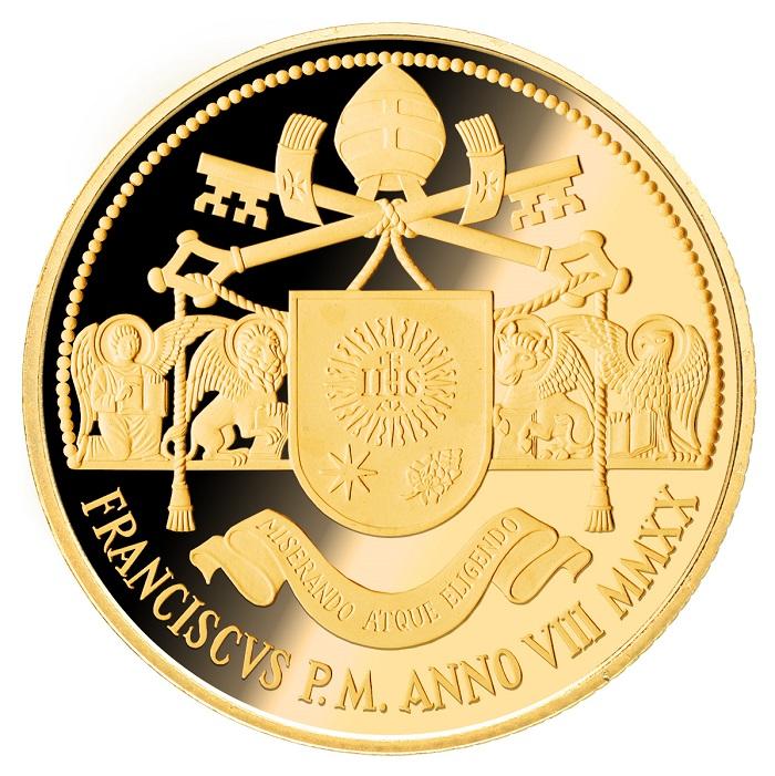 I quattro simboli degli Evangelisti, latori del Verbo divino portato sulla terra dal Cristo affiancano l'emblema di papa Francesco su questa solenne moneta da 100 euro in oro che il Vaticano emetterà il 23 giugno