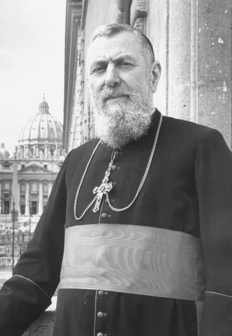 Il cardinale Eugéne Tisserant, vicedecano del Sacro Collegio durante l'Anno Santo del 1950