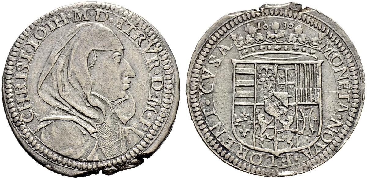 Un omaggio in vita, e in moneta, a Cristina di Lorena è questo testone senza data (battuto nel 1630) su cui la nobildonna di origini francesi appare in solenni abiti vedovili, gli stessi con cui venne sepolta
