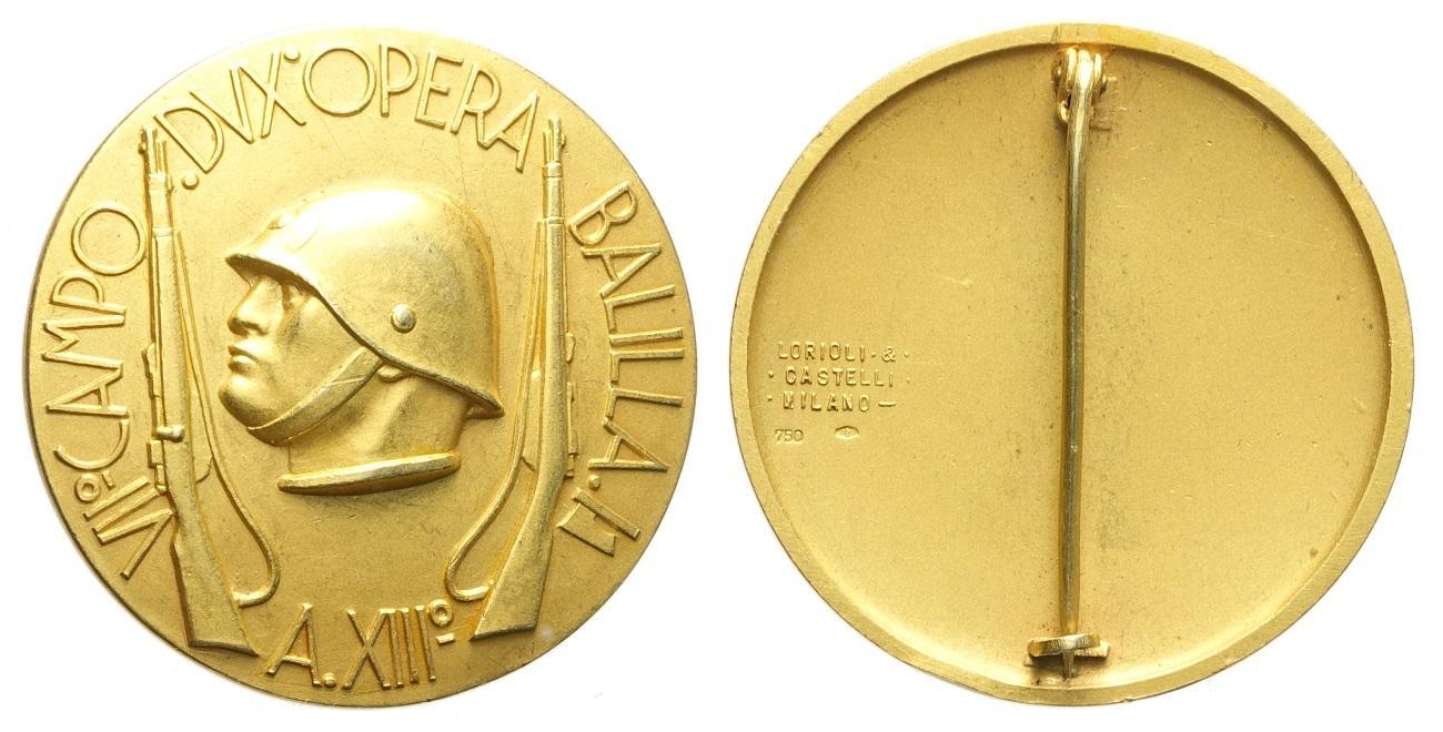 Tra la memorabilia dell'Opera nazionale balilla, attiva dal 1926 al 1937, figurano anche rarissime medaglie in oro come questa, coniata dalla Lorioli e Castelli nel 1935