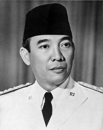 Kusno Sosrodihardjo, meglio noto come Suakrno (1901-1970), primo presidente dell'Indonesia